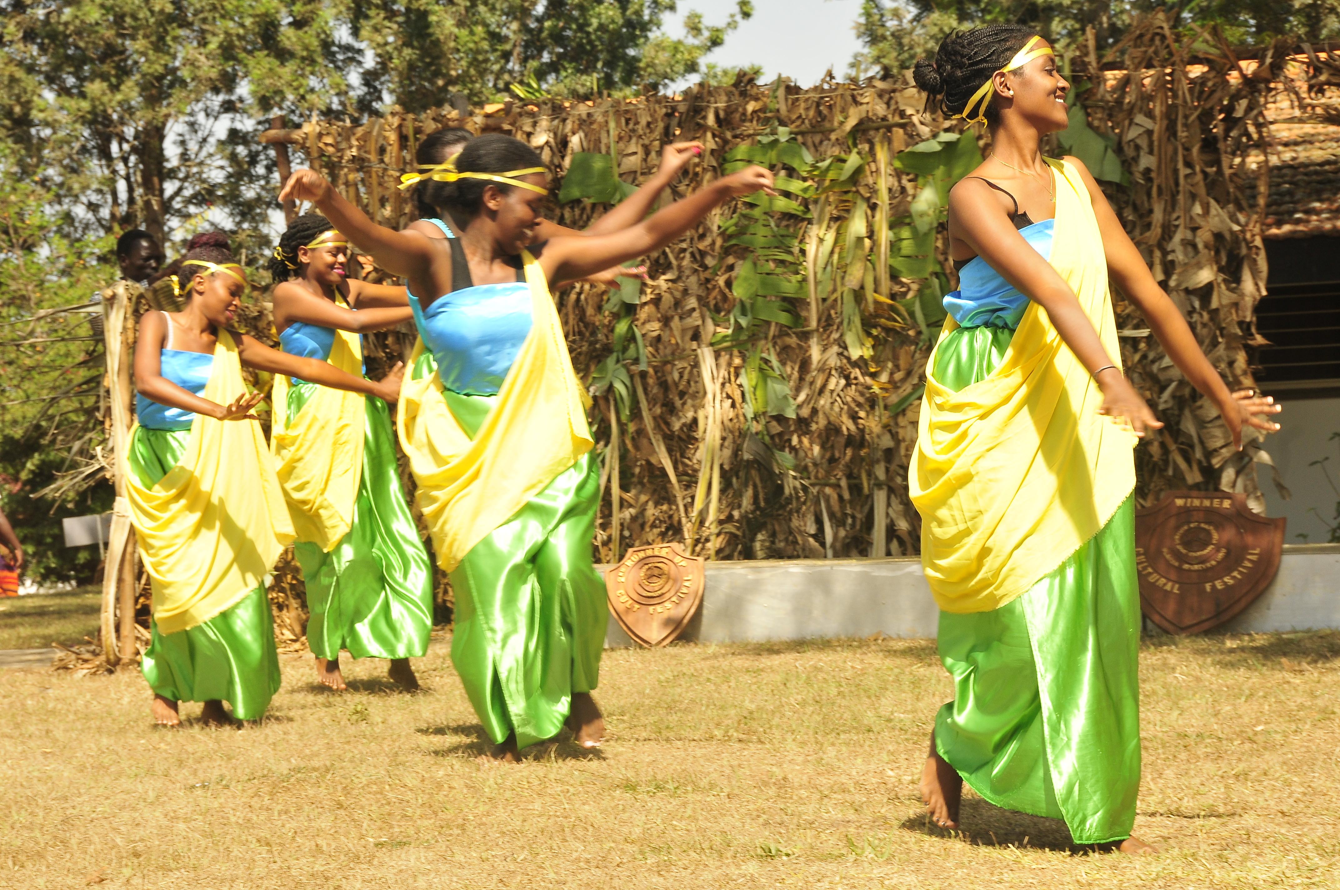 The Rwandese-Burindi students entertain guests