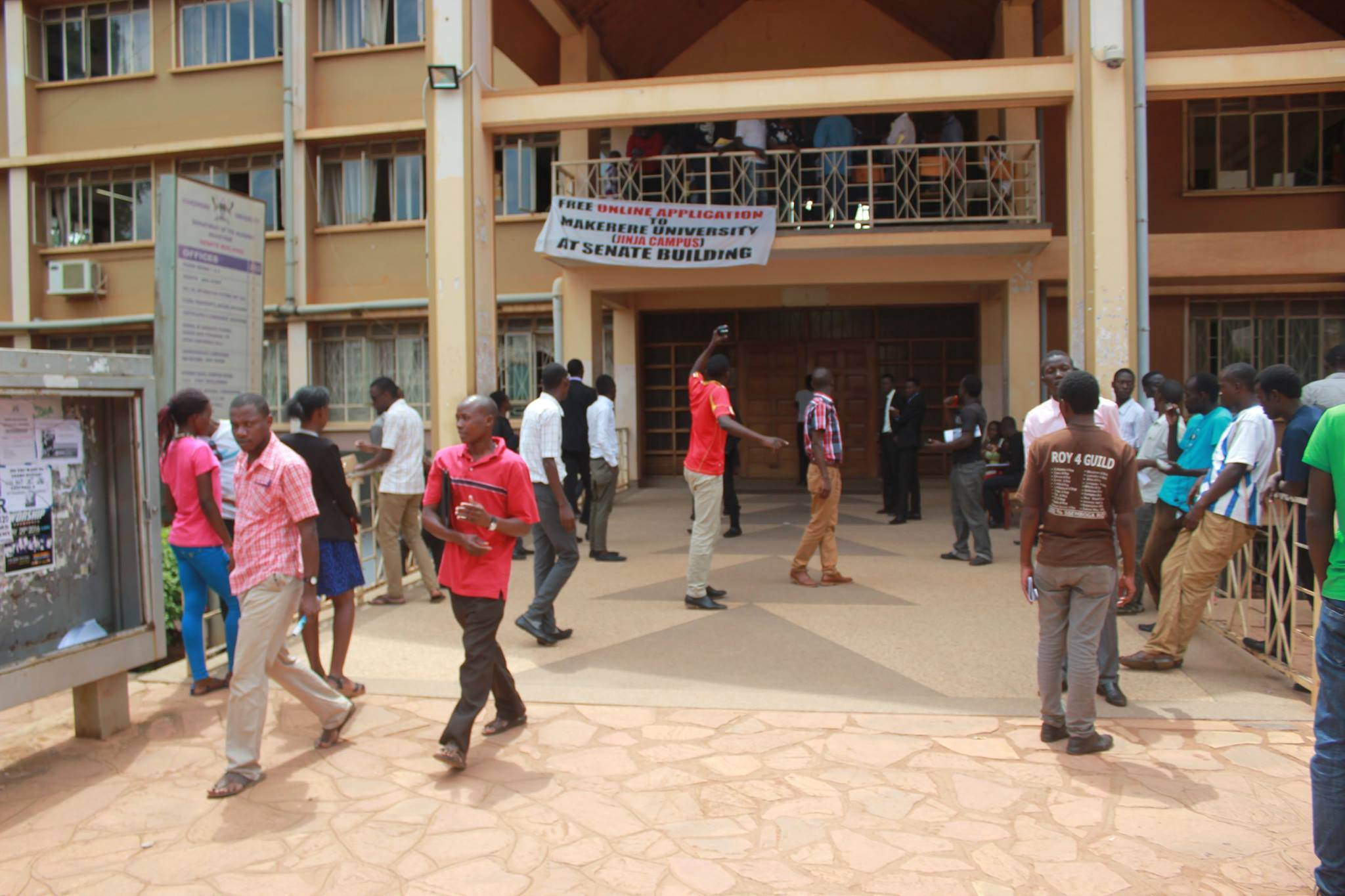 Mwotta supporters push senate guard, and lock fellow students inside as a form of protest for the delayed court ruling of their candidate.