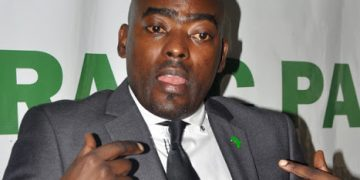 Democratic Party legal advisor Mr. Mukasa Mbidde addressing members of the press  at the party offices in Kampala yesterday. Mr.Mbidde urged the member countries under the Inter Government Authority on Development (IGAD) to send troops to Sudan and should not only leave it to the Ugandan government to battle. PHOTO BY RACHEL MABALA