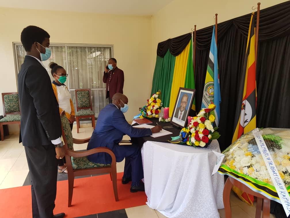 Vice Chancellor, Prof John F. Mugisha signing the condolence book